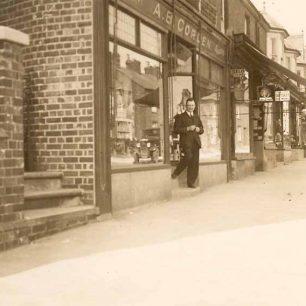 Corden's Chemist Shop with Peter Corden