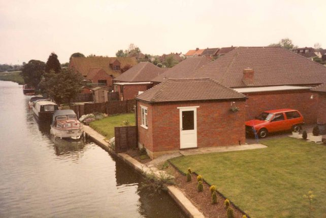 The Old Wharf, Water Eaton