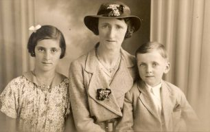 Alma Hunt with mother and brother